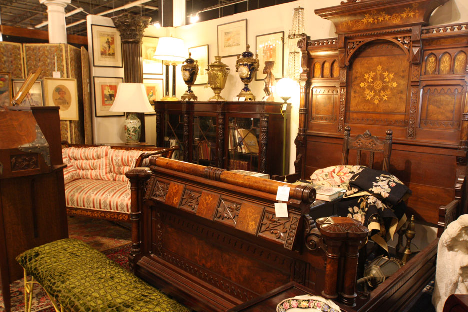 Hiden Galleries: 19th-century Renaissance Revival bed