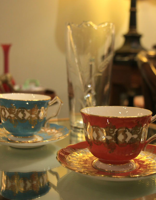 Hiden Galleries: Aynsley teacups