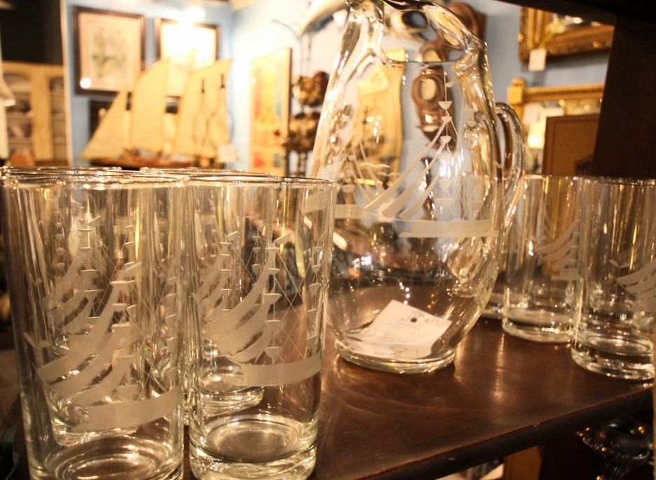 Hiden Galleries: vintage glassware