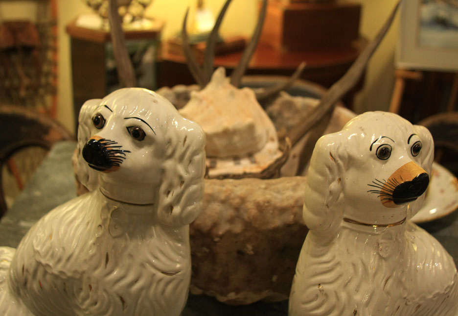 Hiden Galleries: pair of Staffordshire dogs