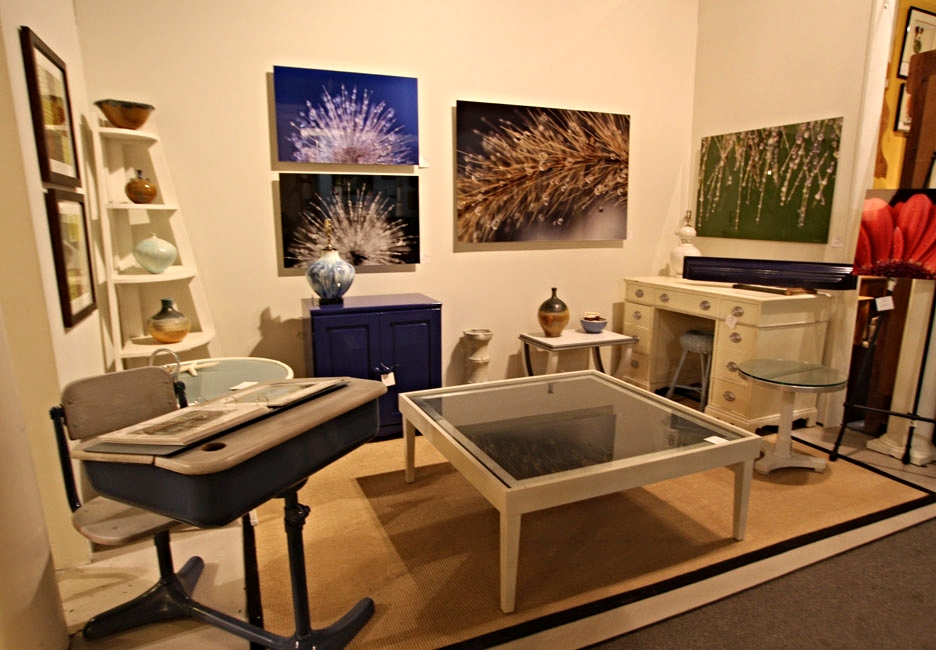 Hiden Galleries