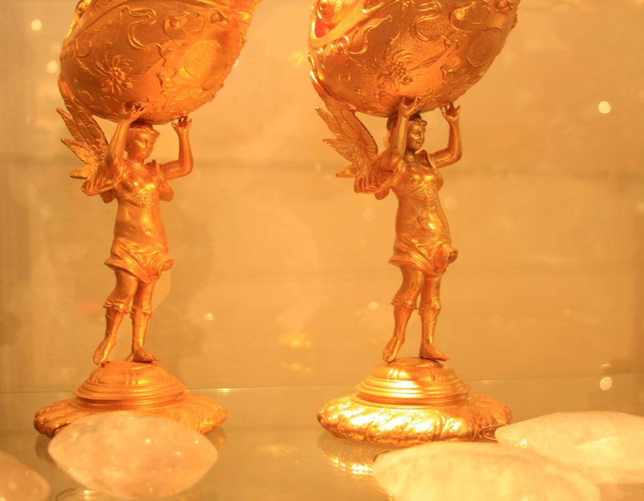 Hiden Galleries: gilt bronze shell dishes
