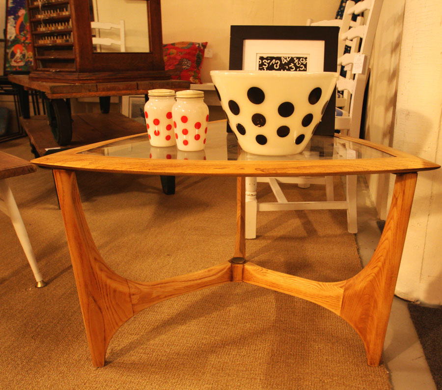 Hiden Galleries: Fire King bowl and s/p's on triangular table