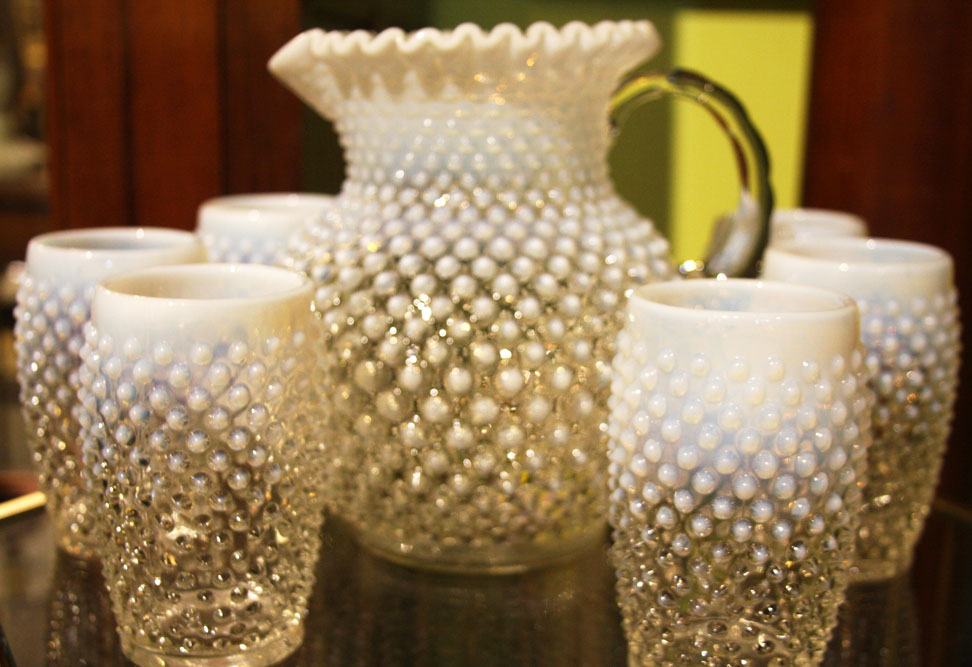 Hiden Galleries: six hobnail opalescent glasses with pitcher