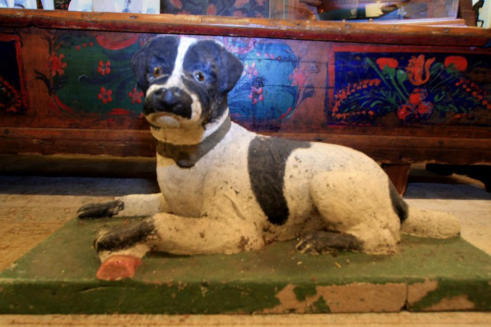 Hiden Galleries: large cast stone dog