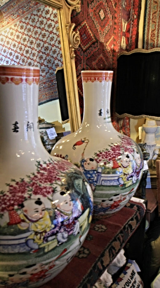 Hiden Galleries: Ming Dynasty vases depicting children