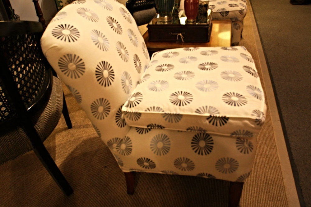 Hiden Galleries: pair of Billy Baldwin slipper chairs