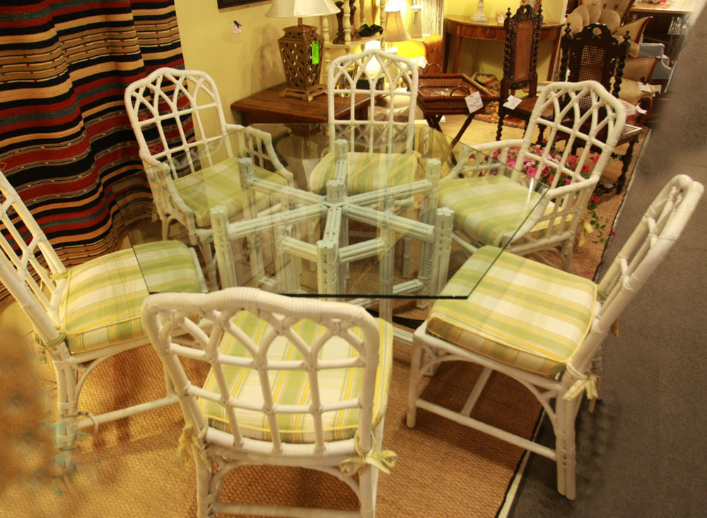 Hiden Galleries: rattan and bamboo table with 6 chairs