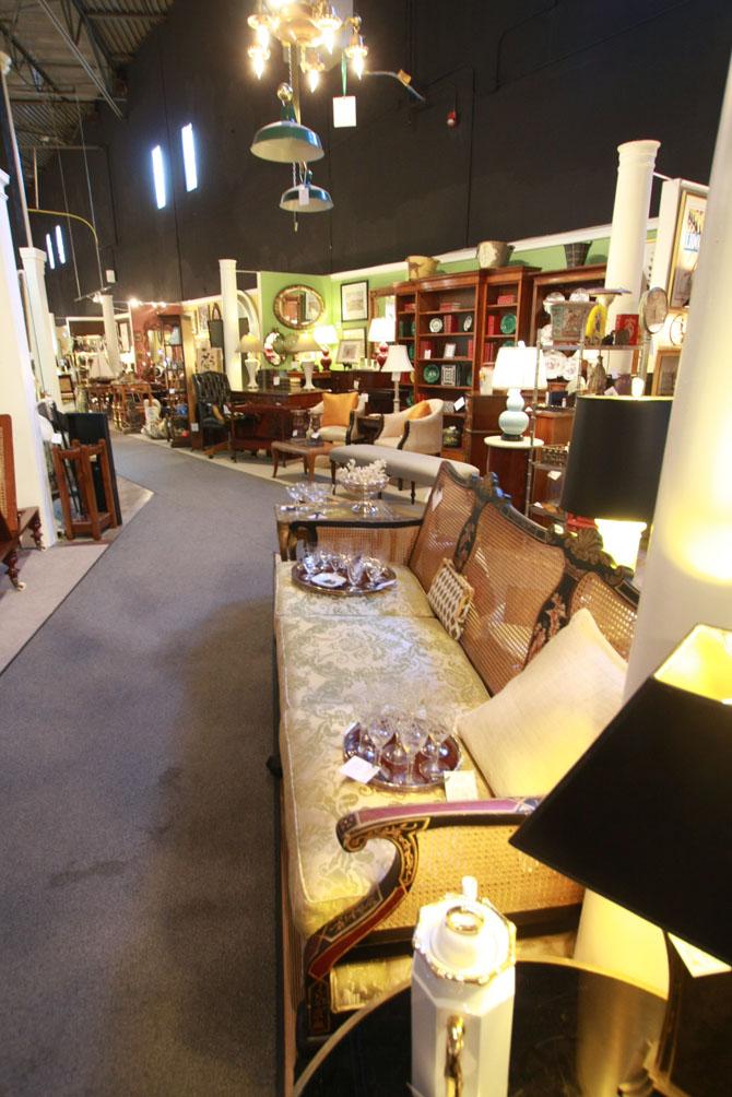 Hiden Galleries: 250 dealers showcased in 40,000 square feet