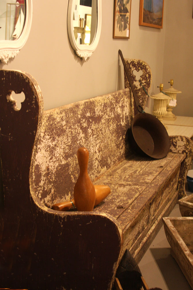 Hiden Galleries: painted country bench