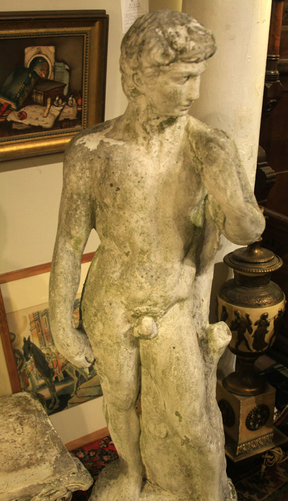 Hiden Galleries: vintage statue in classical form