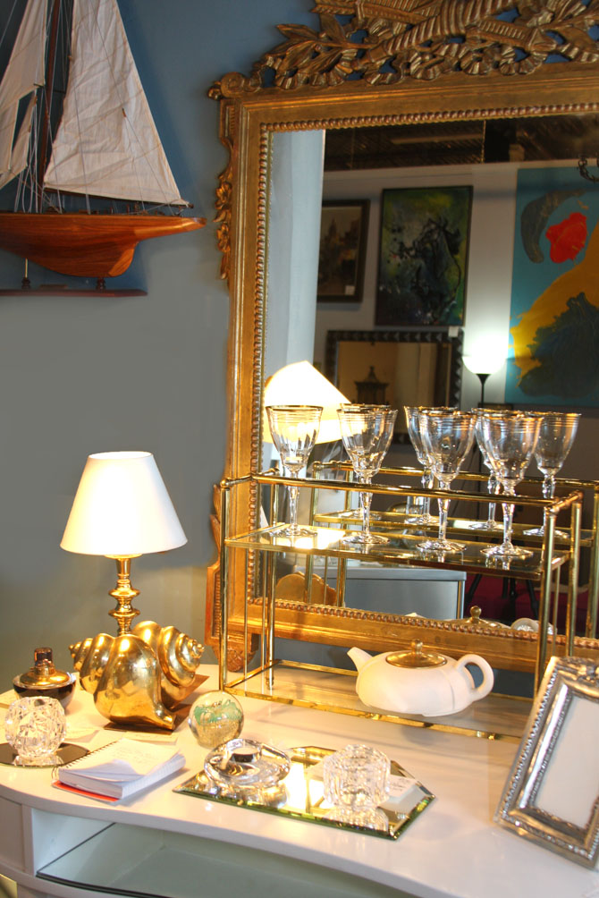Hiden Galleries: 1950s gilt mirror, mid-century Paresi teapot