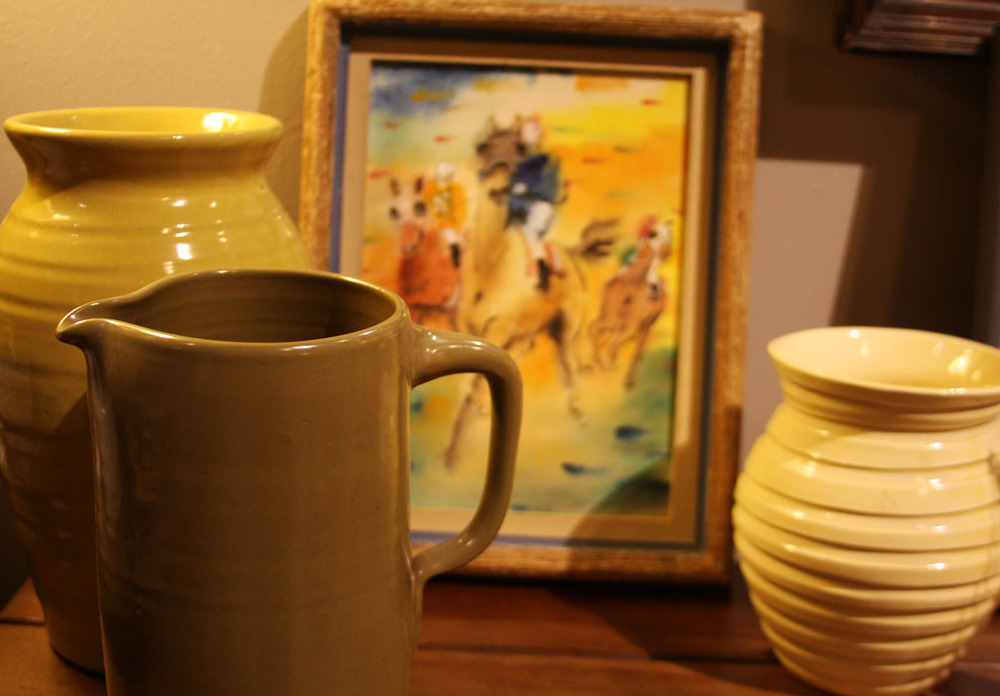 Hiden Galleries: pottery jars and horseracing watercolor by 1940s illustrator Helen Fields Armstrong