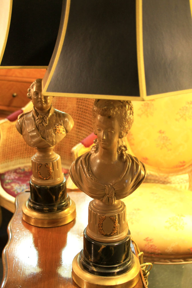 Hiden Galleries: pair of bust lamps on faux marble bases