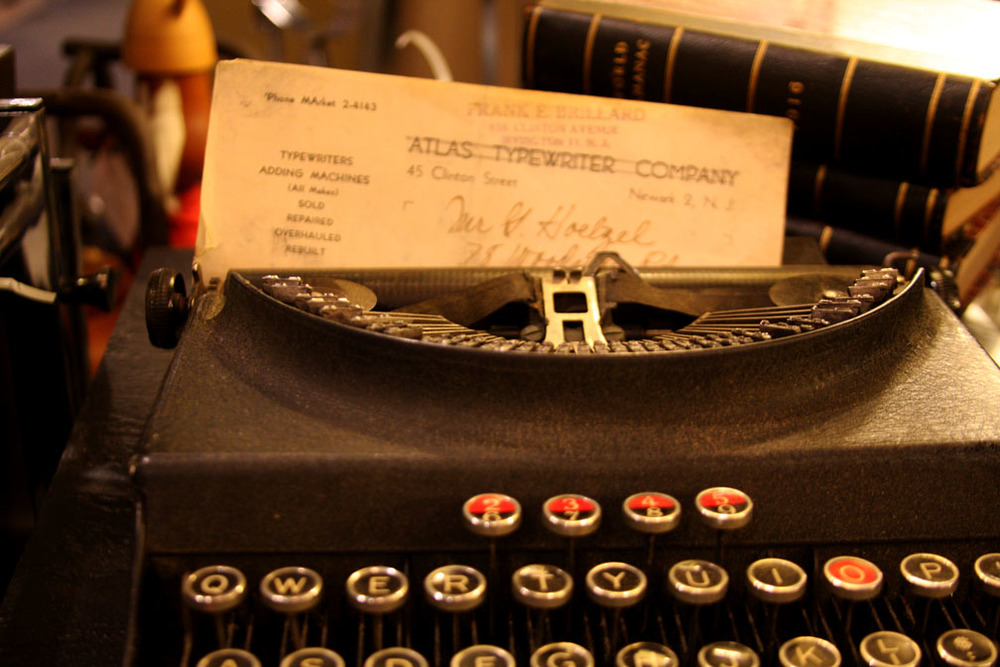 Hiden Galleries: Monarch Pioneer portable typewriter, c1930s