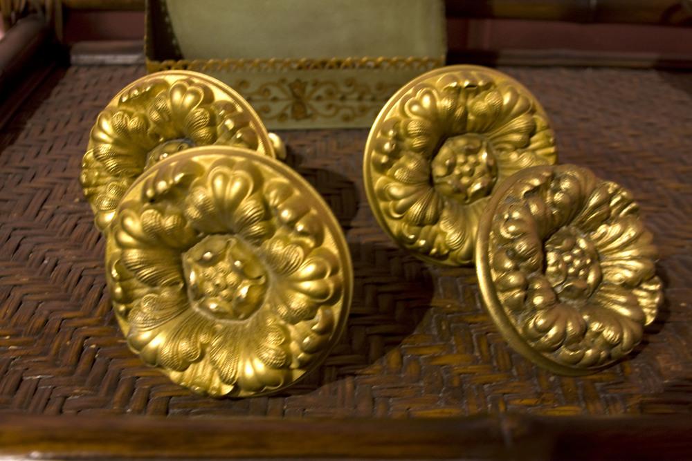 Hiden Galleries: set of 4 c1900 brass tiebacks with gilded overlay