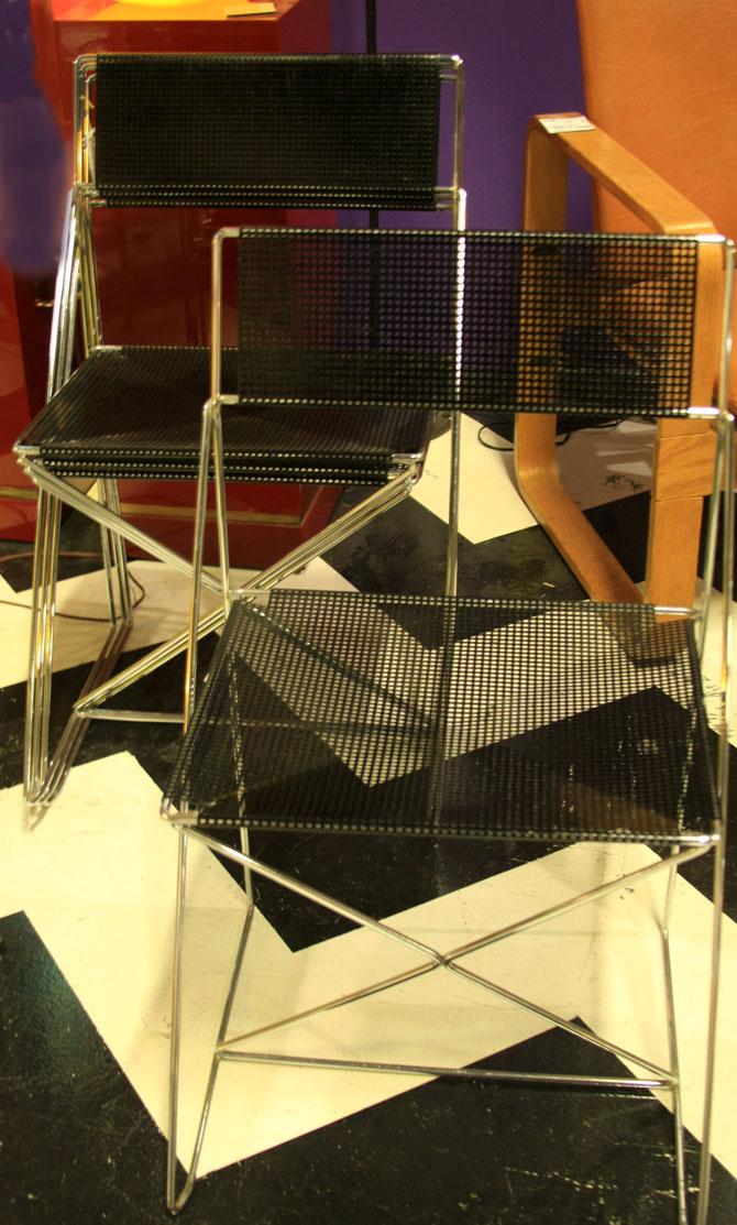 Hiden Galleries: set of 4 1970s Italian chairs