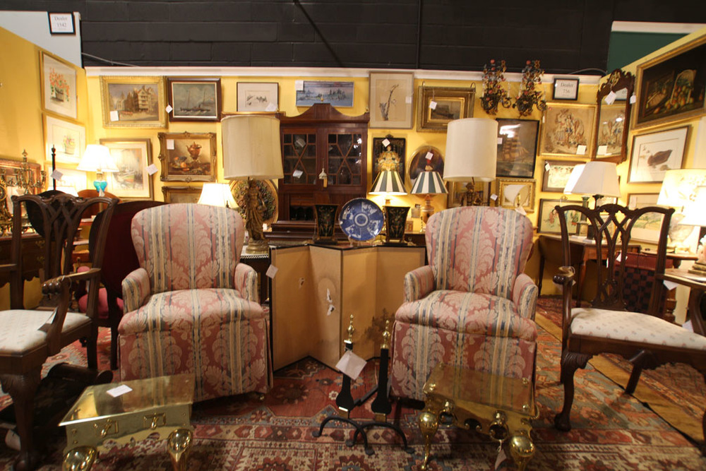 One of Hiden Galleries' 250 antiques dealers