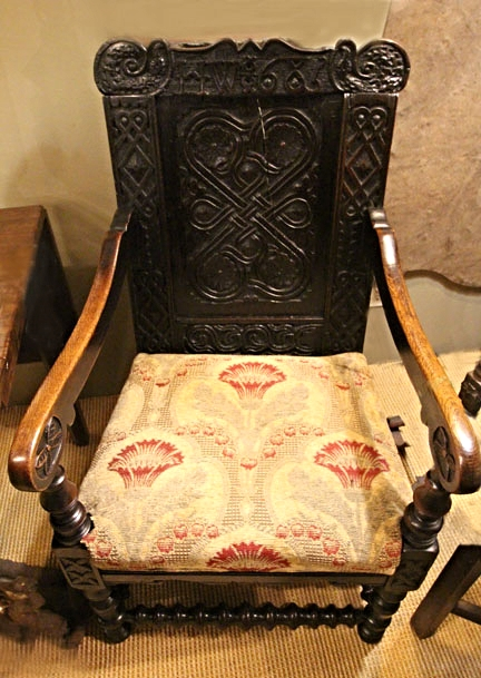Hiden Galleries: oak English wainscot chair, back dated 1685