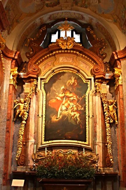 MELKlo cathedral niche w portrait_3495.jpg