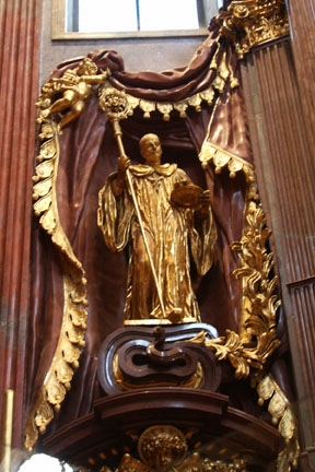 MELKlo gold statue of St Francis_3505.jpg