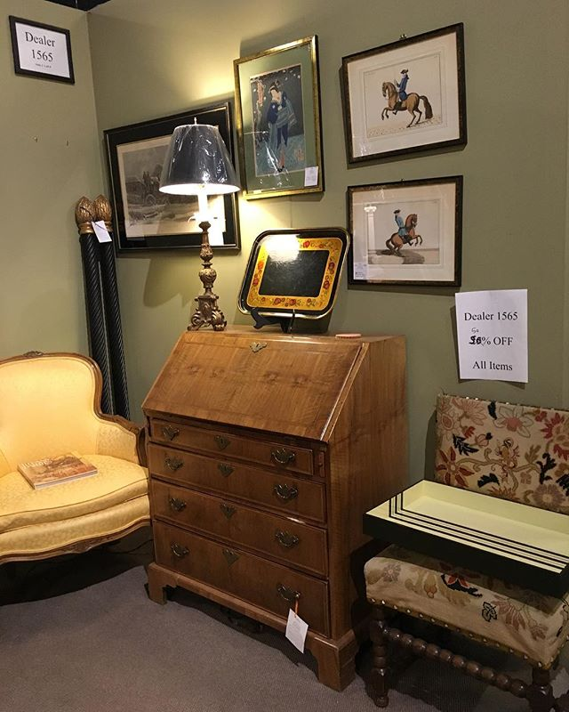 Dealer 1565 has marked everything down 50%. #hidengalleries #vintage #interiors #antiques #bargains #furnishings #lighting