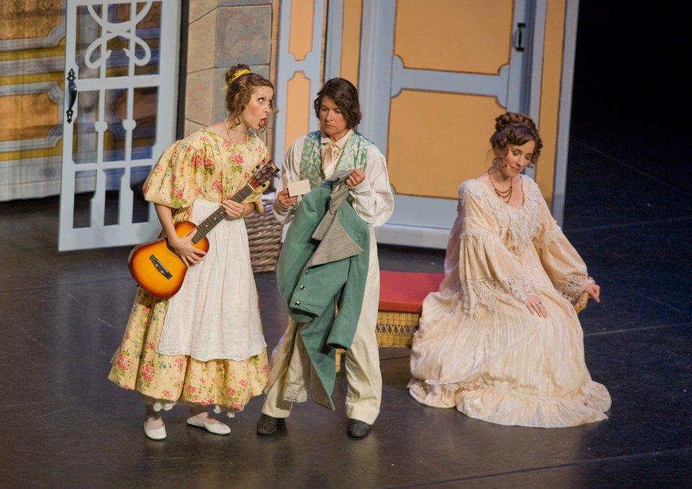 Susanna with Michelle Detweiler (Cherubino), Christie Hageman (Contessa) inMozart's Le nozze di Figaro with Stockton Opera, 2013.© Steve Pereira.