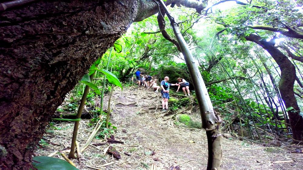 Moku Nui & Circle Island 4-27-29-15.Still117.jpg
