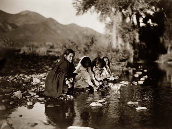 Taos-Indian-Children.jpg