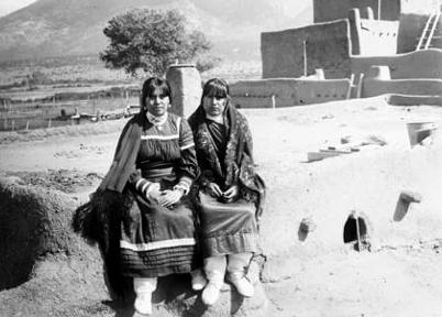 Taos_1890.jpg