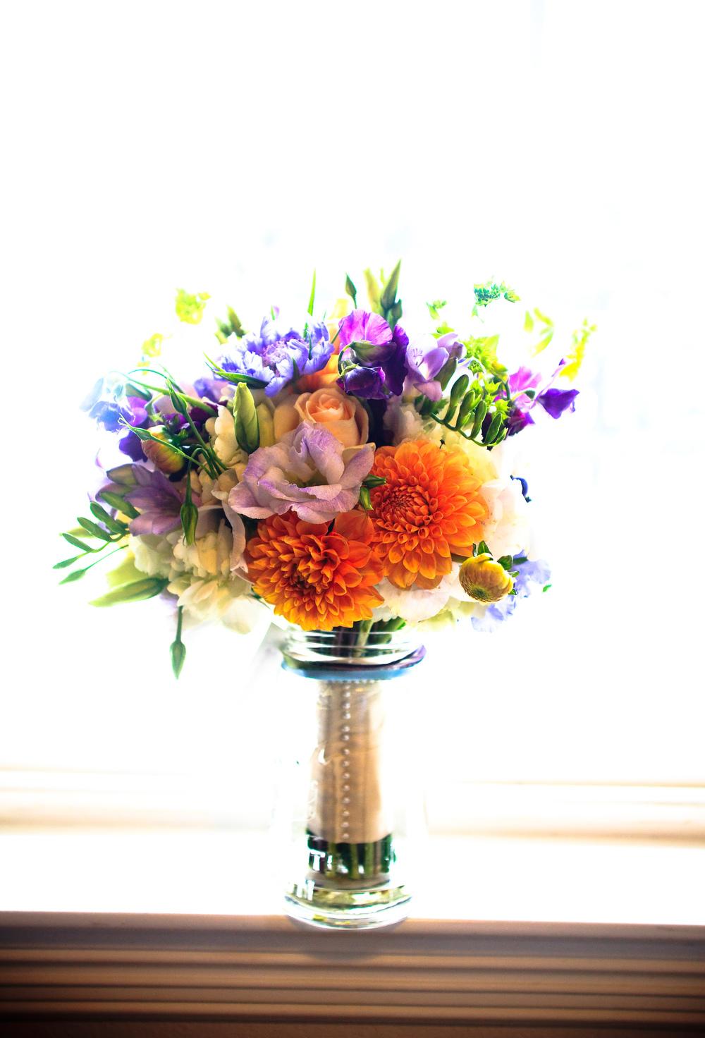 © Kris Holland Photography. www.krishollandphotography.com,Floral Design byAngie Zimmerman Floral Design