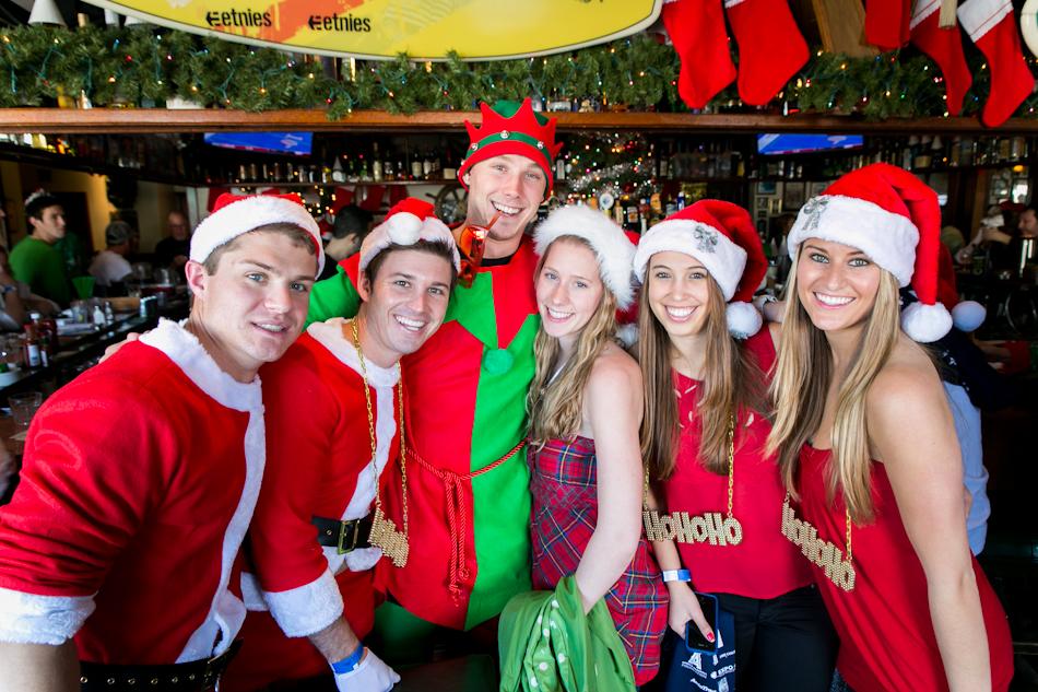 12.14.12 Santa Pub Crawl Web-2.JPG
