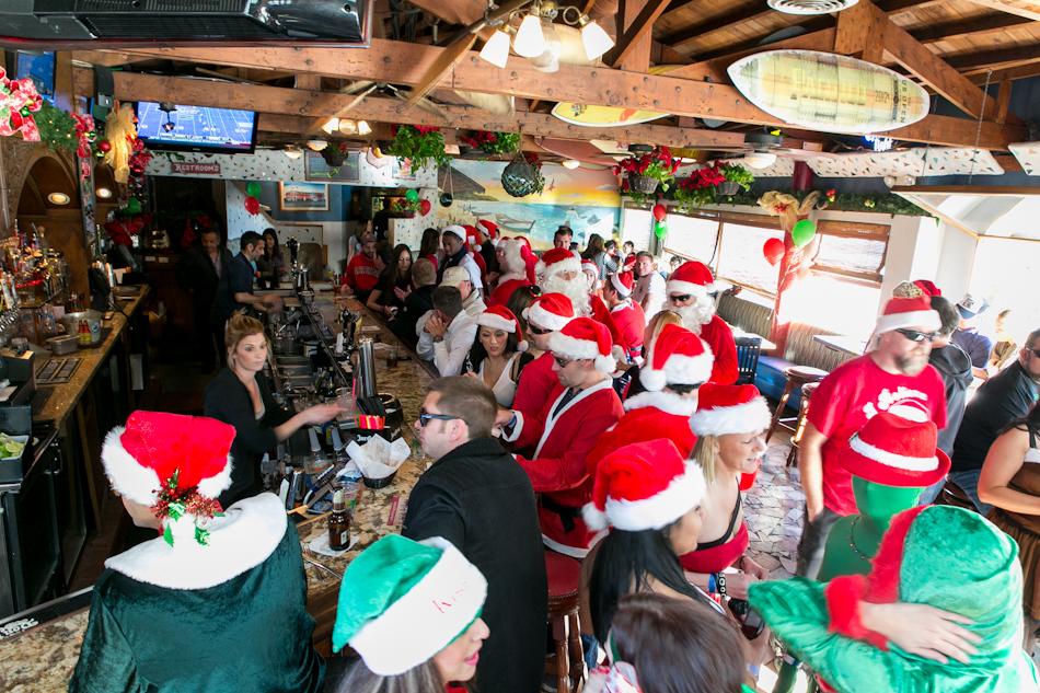 12.14.12 Santa Pub Crawl Web-26.JPG