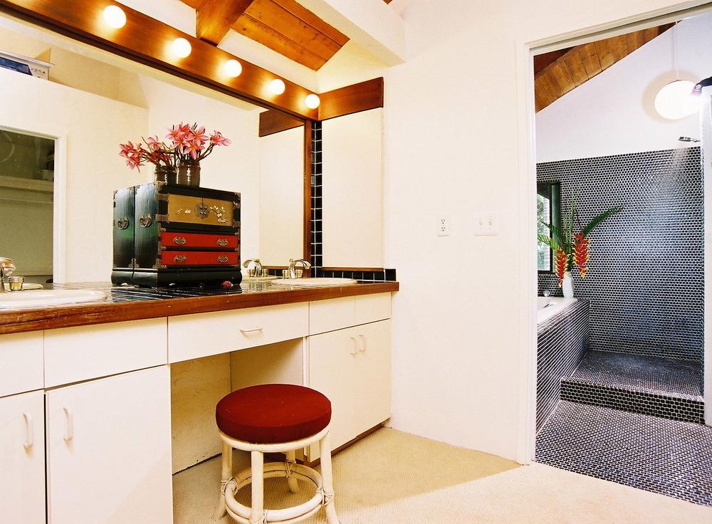 Master Bedroom Suite_Foyer.jpg