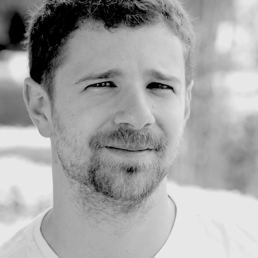 Diego Olliver headshot sqaure.jpg