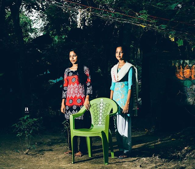 Aish Artisan Story . @aishlife makes beautiful scarves and garments working with the textile craft communities of India.  Shot in Fulia / Shantipur. With the eclectic  @ladyrara.co Creative Direction. . #artisan #handmade #beauty #truth #westbengal #textile #travel #community #sustainability #designer #portrait #portraitoftheday #human #vsco #portraitmode #portraitphotography #atmospheric
