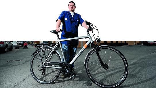 copyright VINCENT ROCHER / SUD PRESSE 20120321 - velotaf velo de societe - bicylette - colruyt