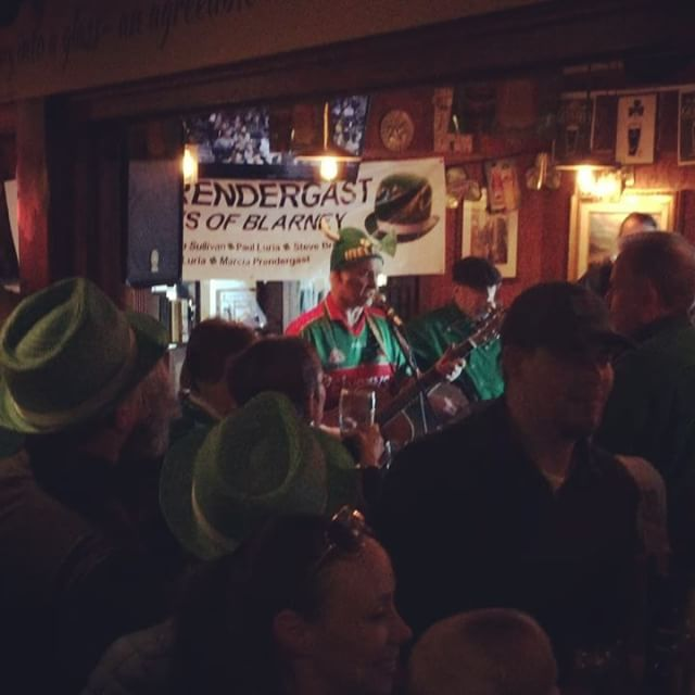 It's not St Patrick's Day until the band plays  Too-ra-loo-ra-loo-ral🍀 #IrishLullaby #stpatricksday #slainte