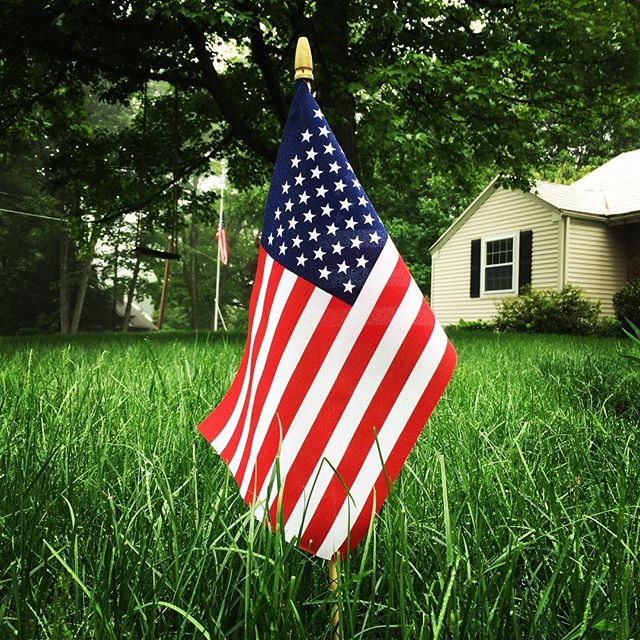 Remembering and honoring those who gave their lives for our freedom.  #MemorialDay #WeRemember #GodBlessAmerica