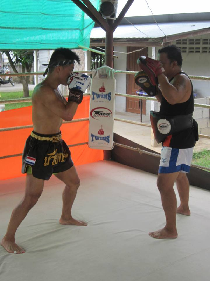 thai kickboxing.jpg