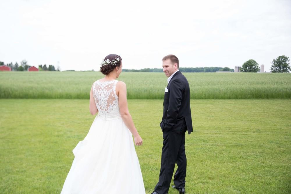 Brighton Acres Oshkosh Wisconsin Wedding Photographer