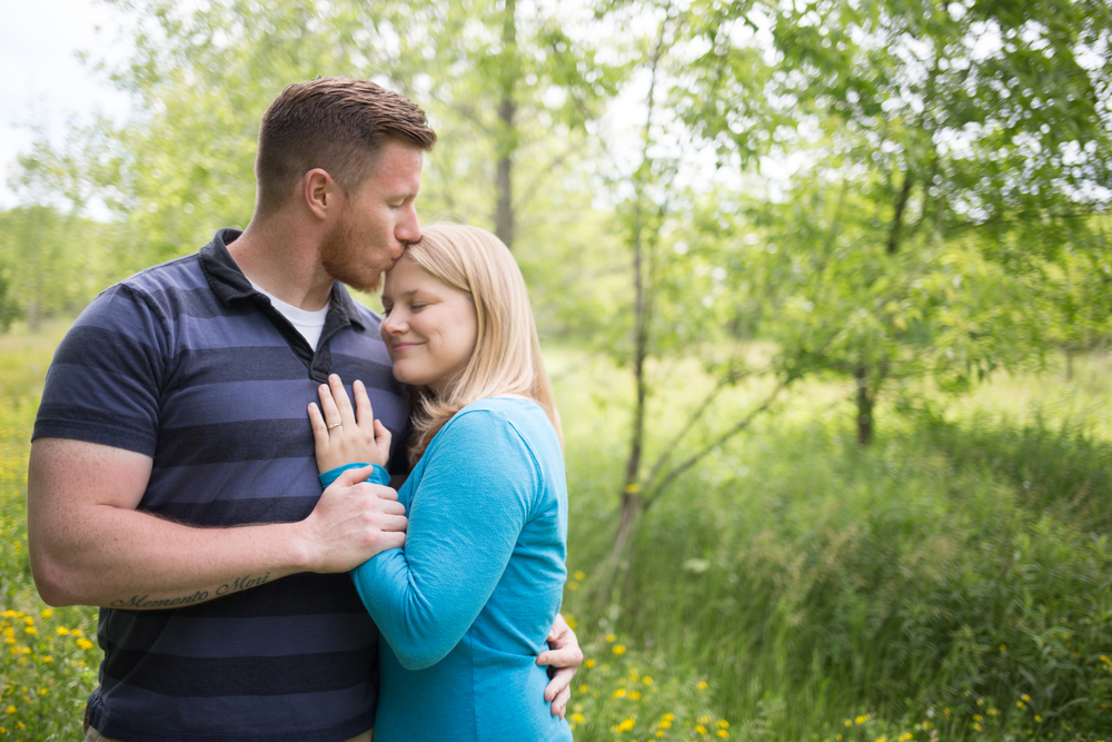 Appleton Wisconsin Engagement Photos - Whit Meza Photography