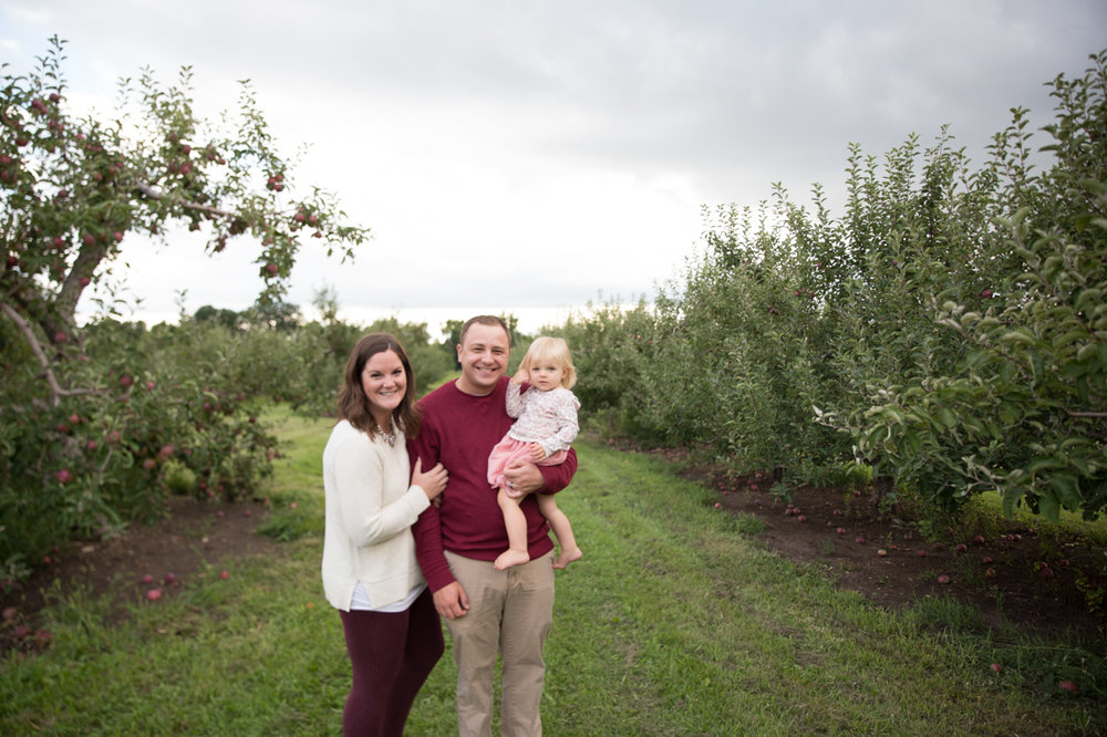 Little Farmer Apple Orchard Fond du Lac Wisconsin Family Photographer - Whit Meza Photography