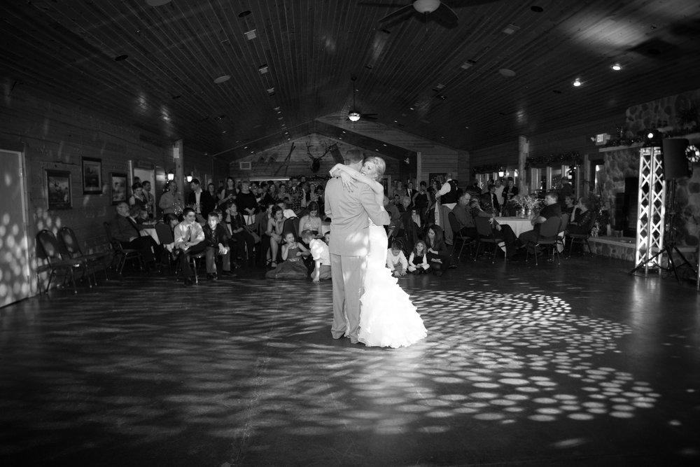 Woodfire Lodge Wedding in Brillion Wisconsin - Whit Meza Photography