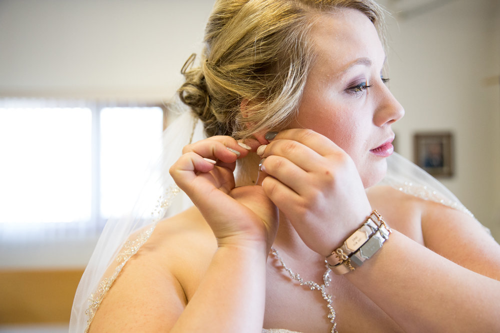 Cobblestone Creek Wedding in Brillion Wisconsin - Whit Meza Photography