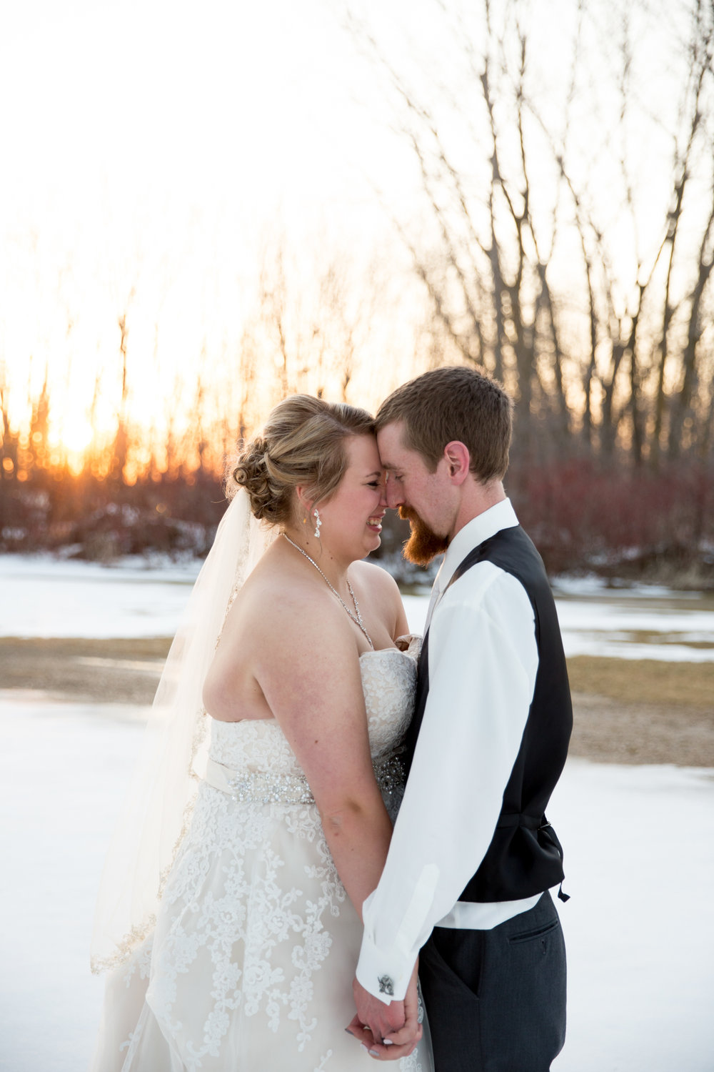Cobblestone Creek Wedding in Brillion, Wisconsin - Whit Meza Photography