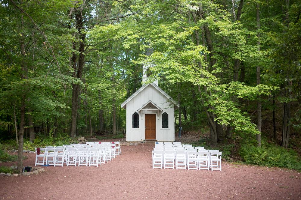 Outdoor Wisconsin Tent Wedding_Whit Meza Photography 20.jpg