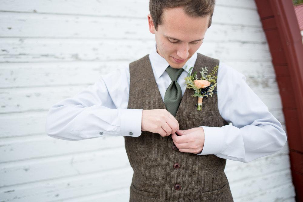 Oshkosh Barn Wedding at Brighton Acres - Whit Meza Photography