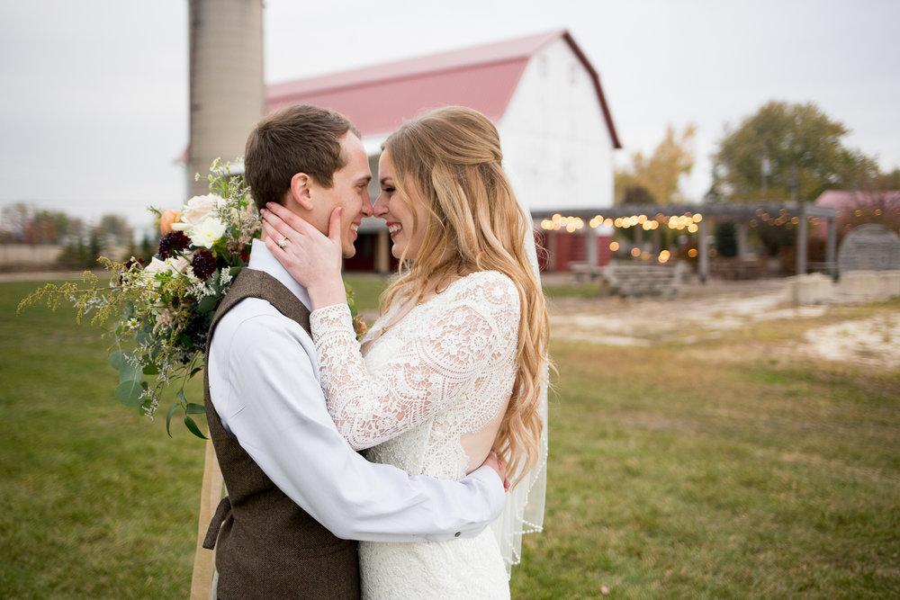 Wisconsin Barn Wedding_Brighton Acres_Oshkosh Barn Wedding_Whit Meza Photography 66.jpg