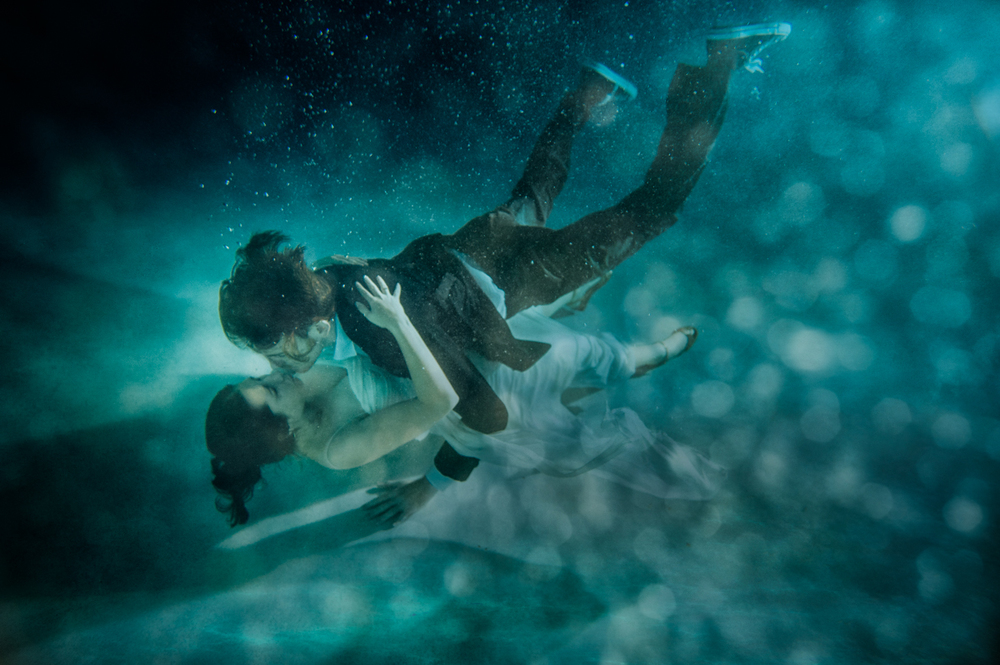 under-water-engagement-session-st-augustine